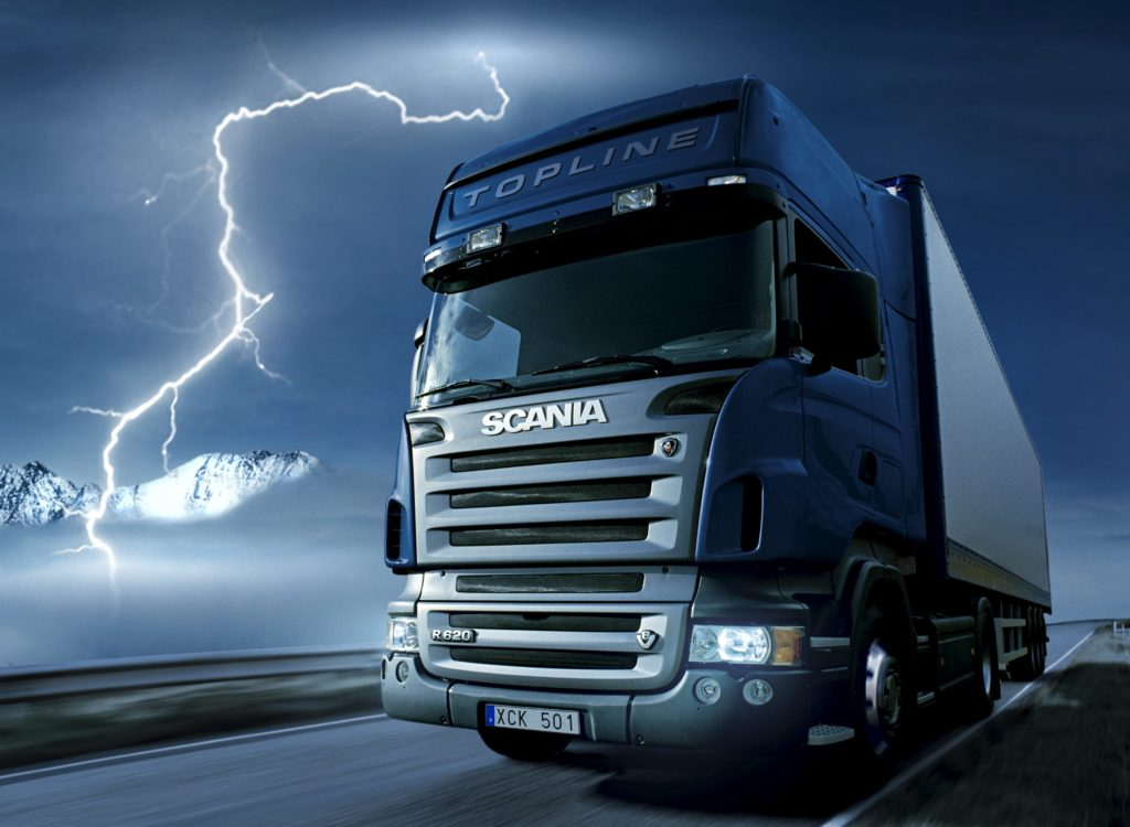 Campaign Scania V8 More Power Scania 620 4x2 Topline Tractor with trailer driving at night with thunder, flash Photo: Göran Wink 2007